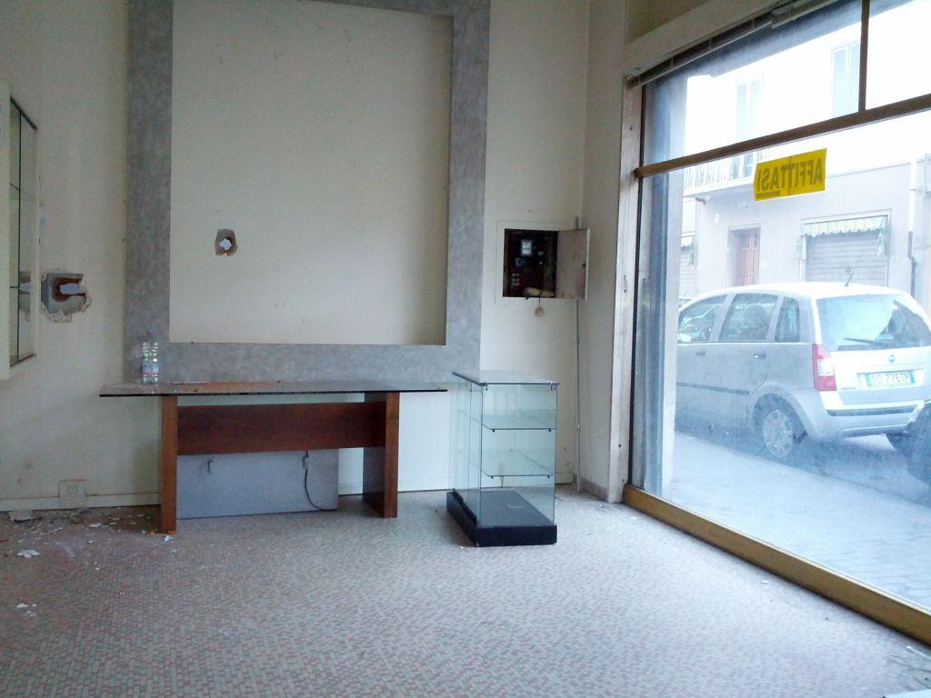 Negozio in affitto - Centro, Pontedera