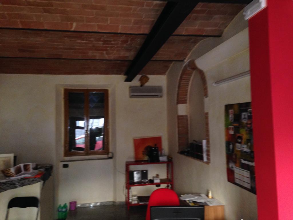 Negozio / Locale in affitto a Lamporecchio, 9999 locali, prezzo € 400 | CambioCasa.it