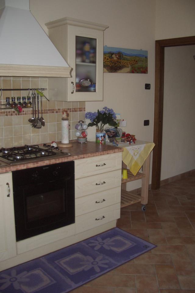 Soluzione Semindipendente in affitto a Gambassi Terme, 2 locali, prezzo € 450   Cambio Casa.it