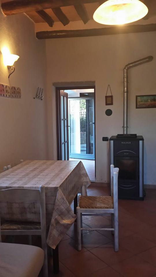 Appartamento in affitto a Gambassi Terme, 4 locali, prezzo € 450 | Cambio Casa.it