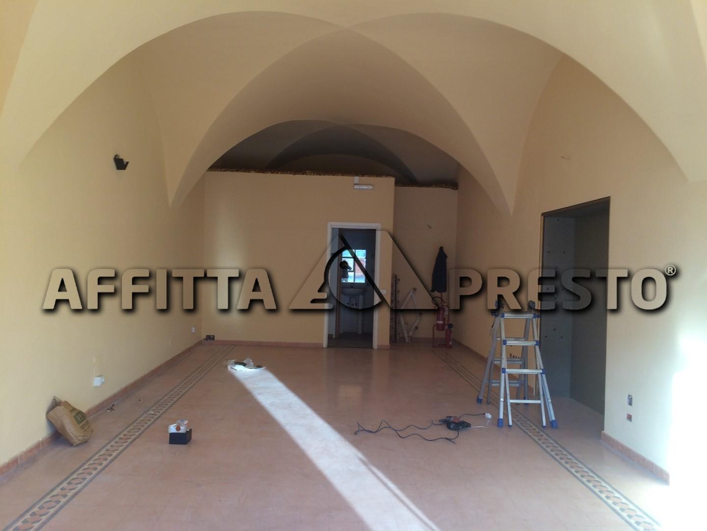 Attività commerciale in affitto a San Francesco, Pisa