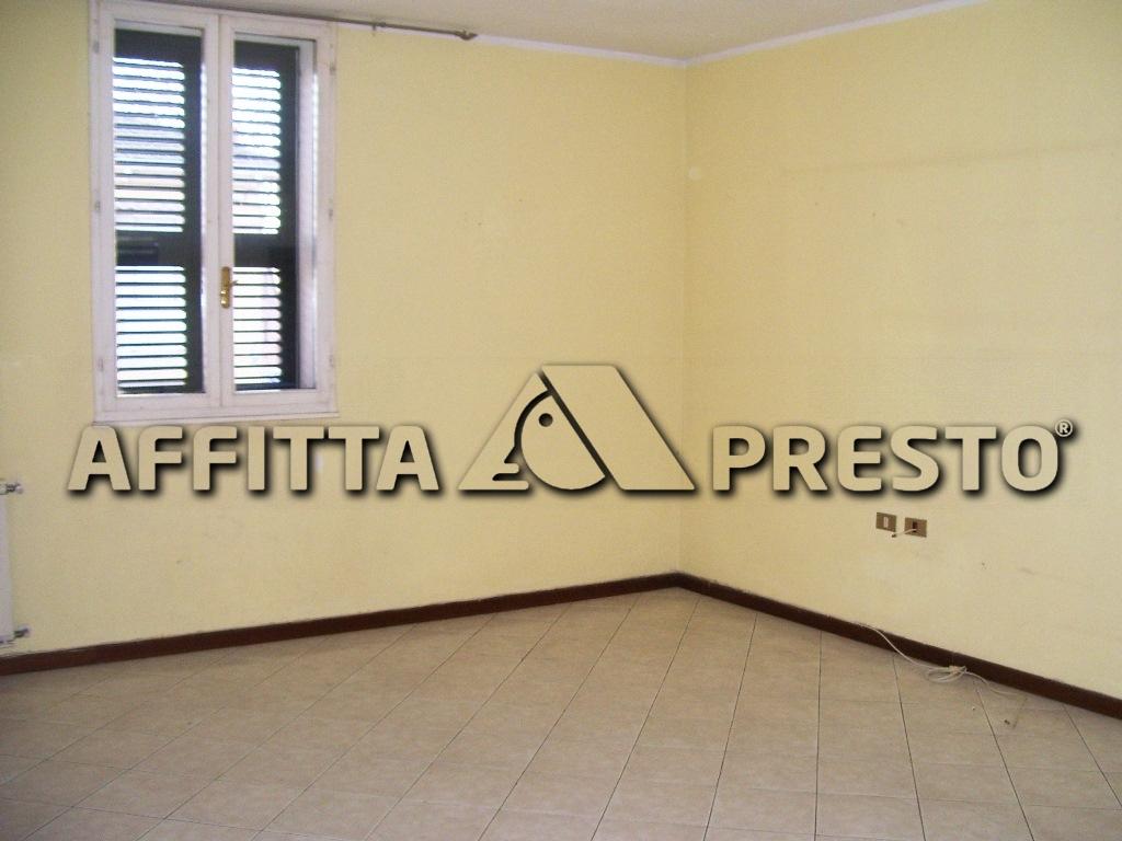 Appartamento in affitto a Ravenna, 4 locali, zona Località: Stazione, prezzo € 600   CambioCasa.it
