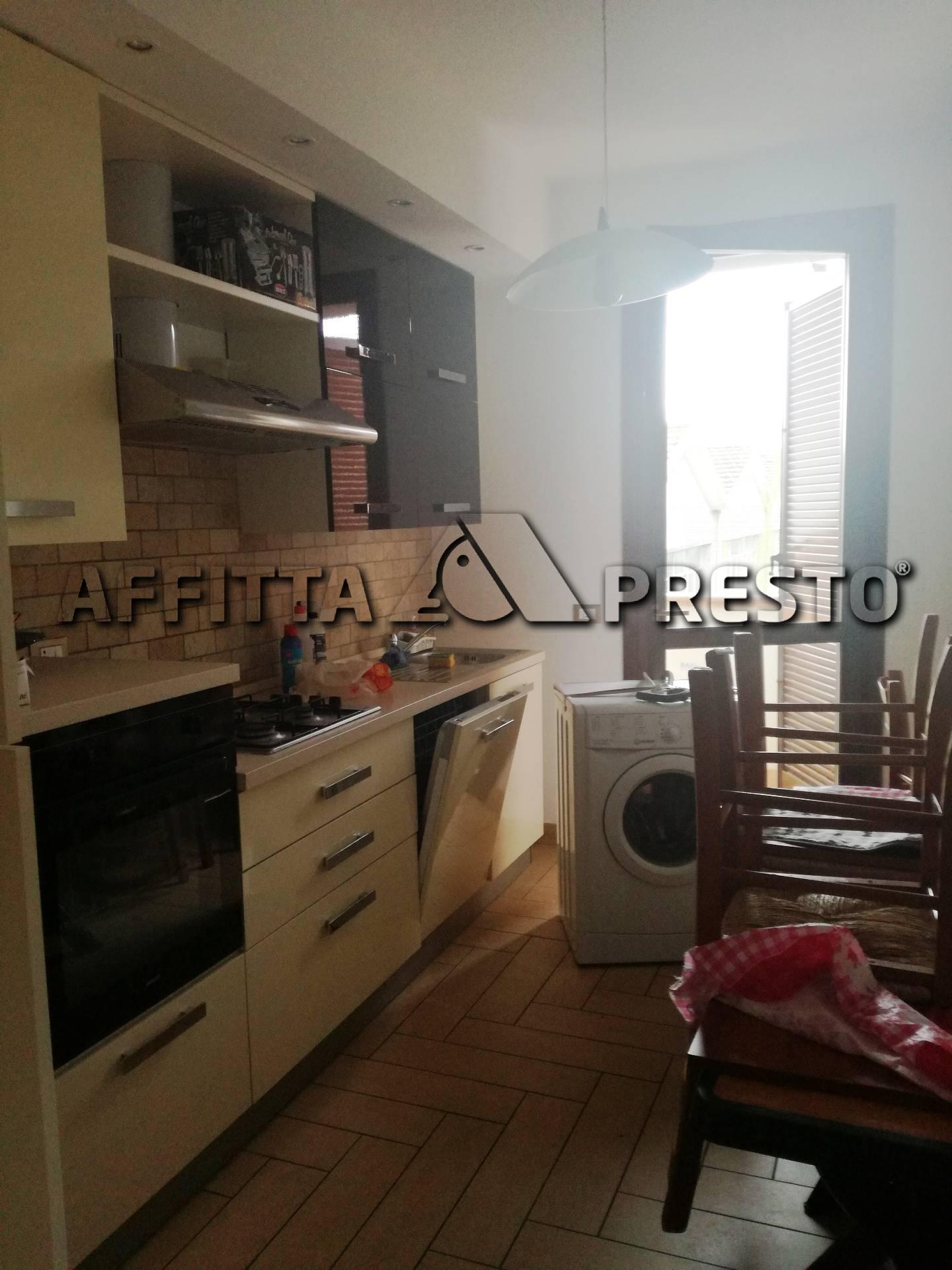 Appartamento in affitto a Ponsacco, 5 locali, prezzo € 720 | Cambio Casa.it