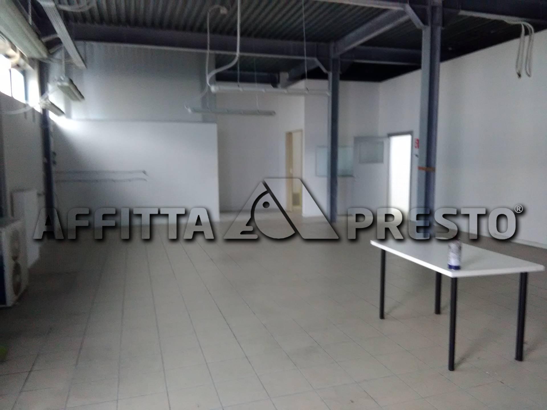 Capannone in affitto a Collesalvetti, 9999 locali, prezzo € 900   PortaleAgenzieImmobiliari.it