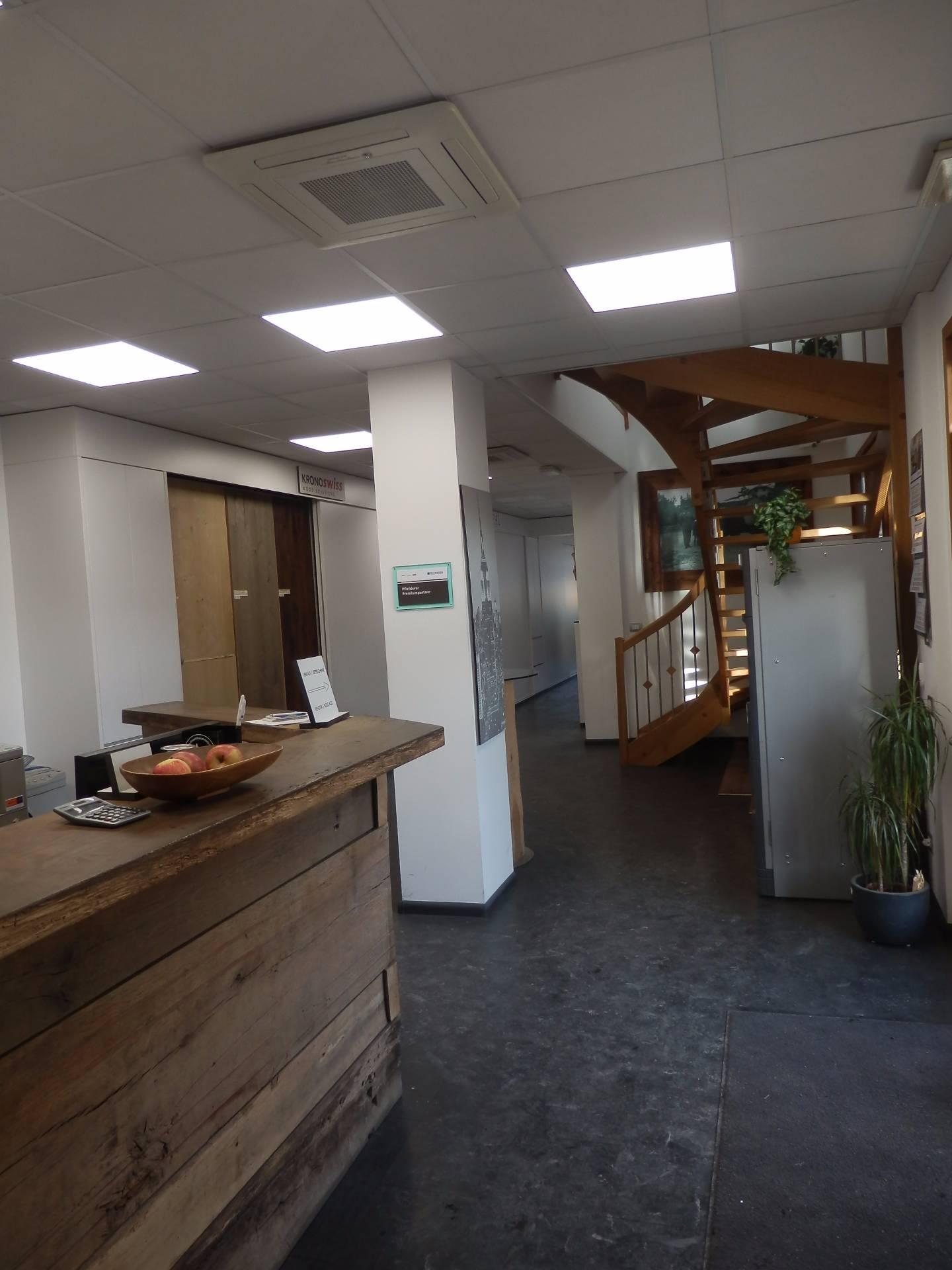 Ufficio / Studio in affitto a Bolzano, 9999 locali, zona Zona: Periferia, prezzo € 2.600 | Cambio Casa.it