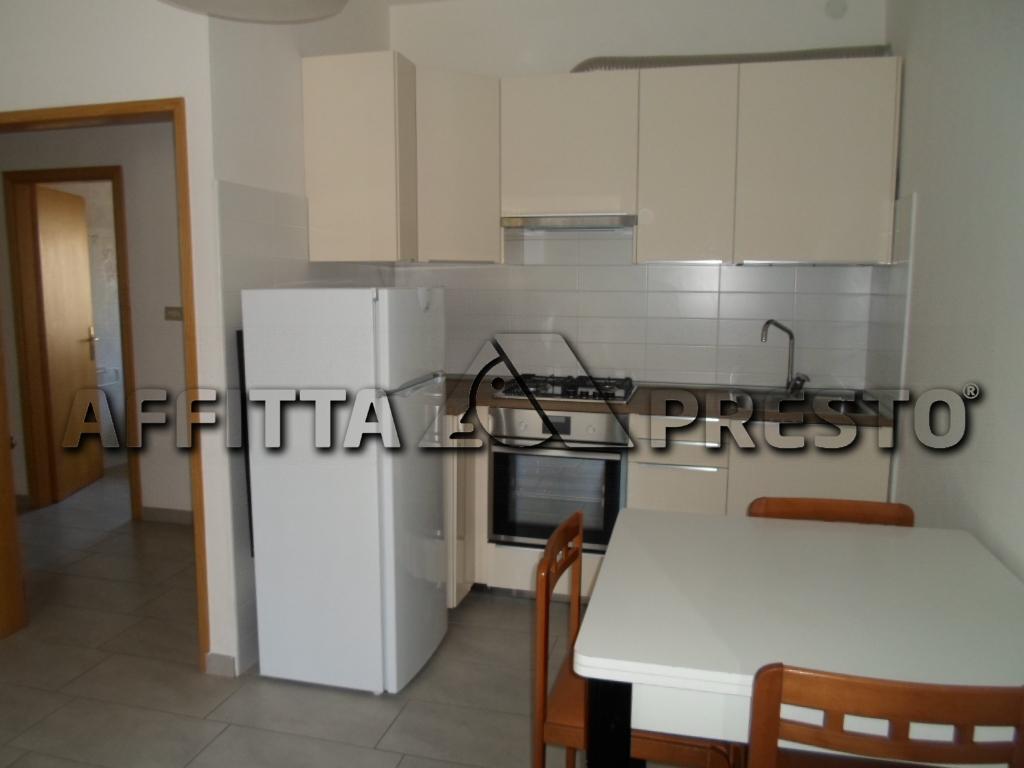 Soluzione Semindipendente in affitto a Cesena, 3 locali, zona Località: Stadio, prezzo € 500 | Cambio Casa.it