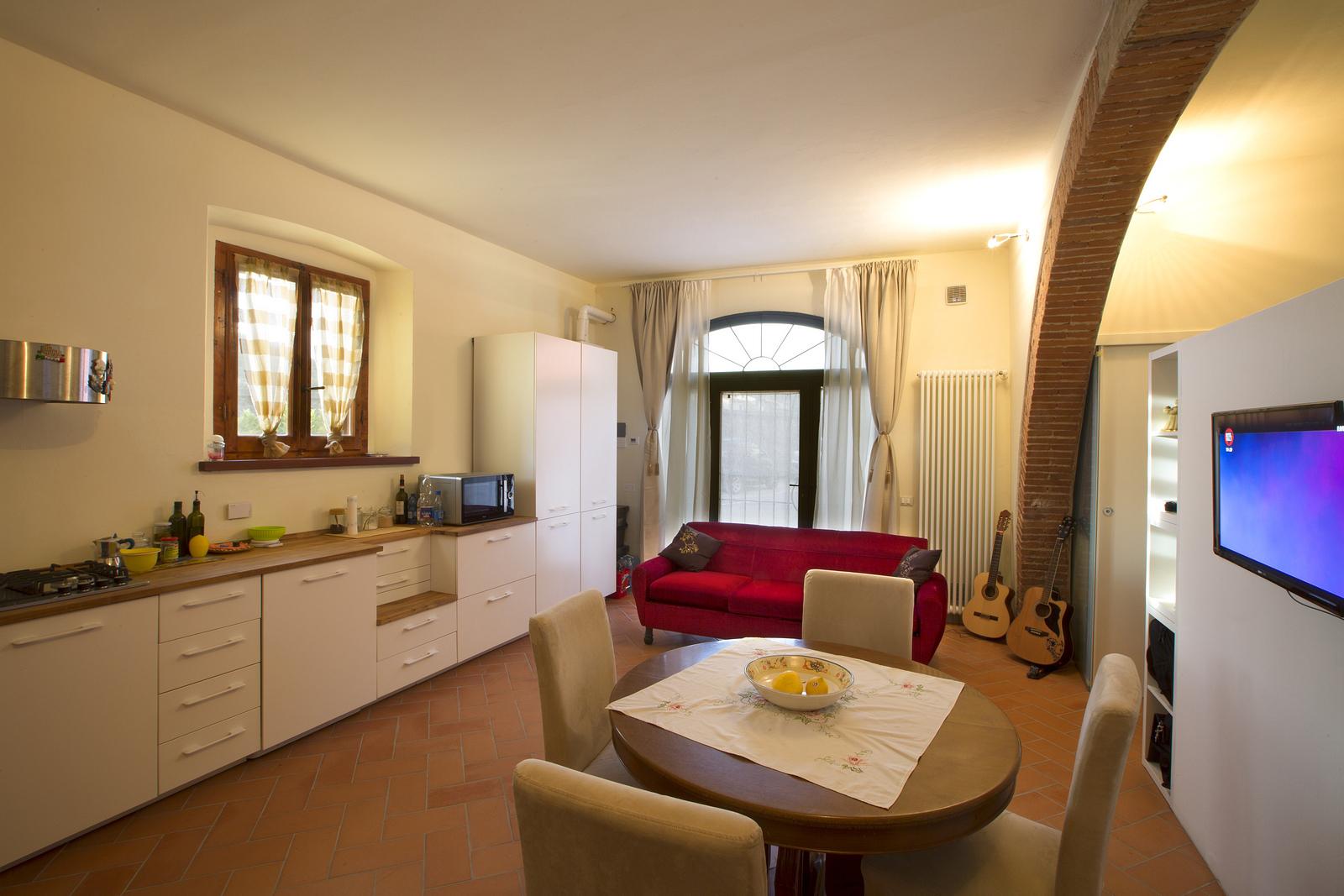 Magazzino in affitto a Empoli, 9999 locali, zona Zona: Tinaia, prezzo € 450 | Cambio Casa.it