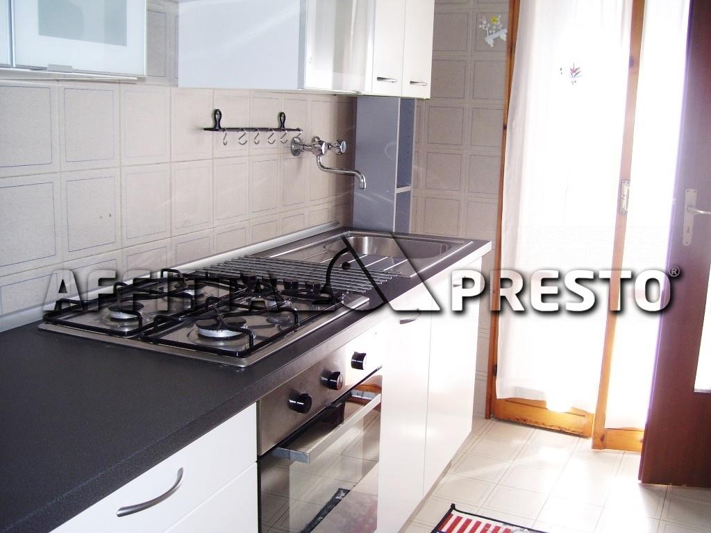 Attico / Mansarda in affitto a Ravenna, 5 locali, zona Località: Centro, prezzo € 550 | Cambio Casa.it