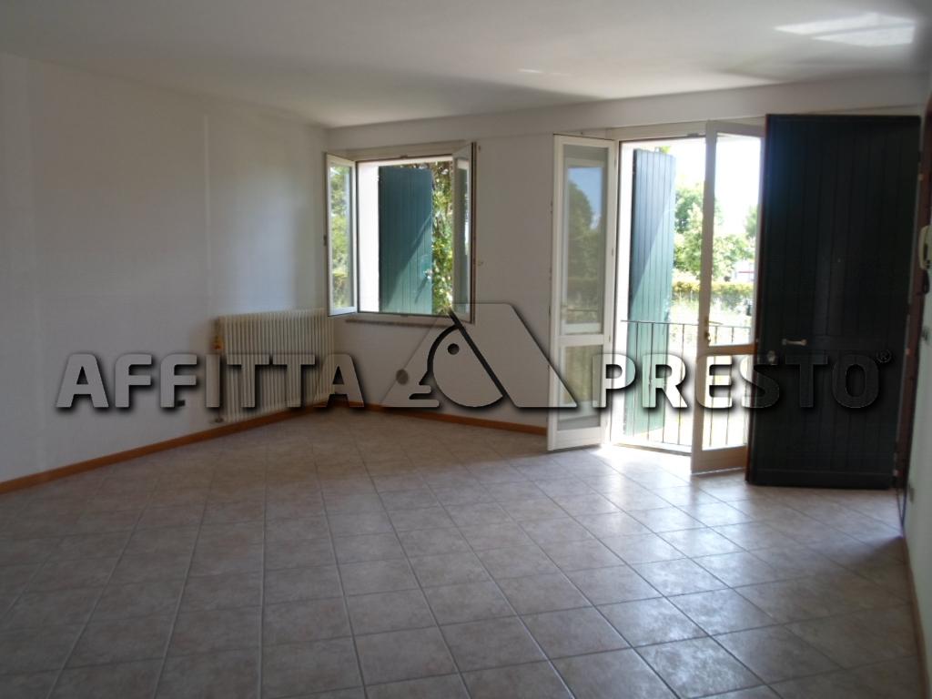 Soluzione Indipendente in affitto a Cesena, 3 locali, zona Località: SanGiorgio, prezzo € 600 | CambioCasa.it