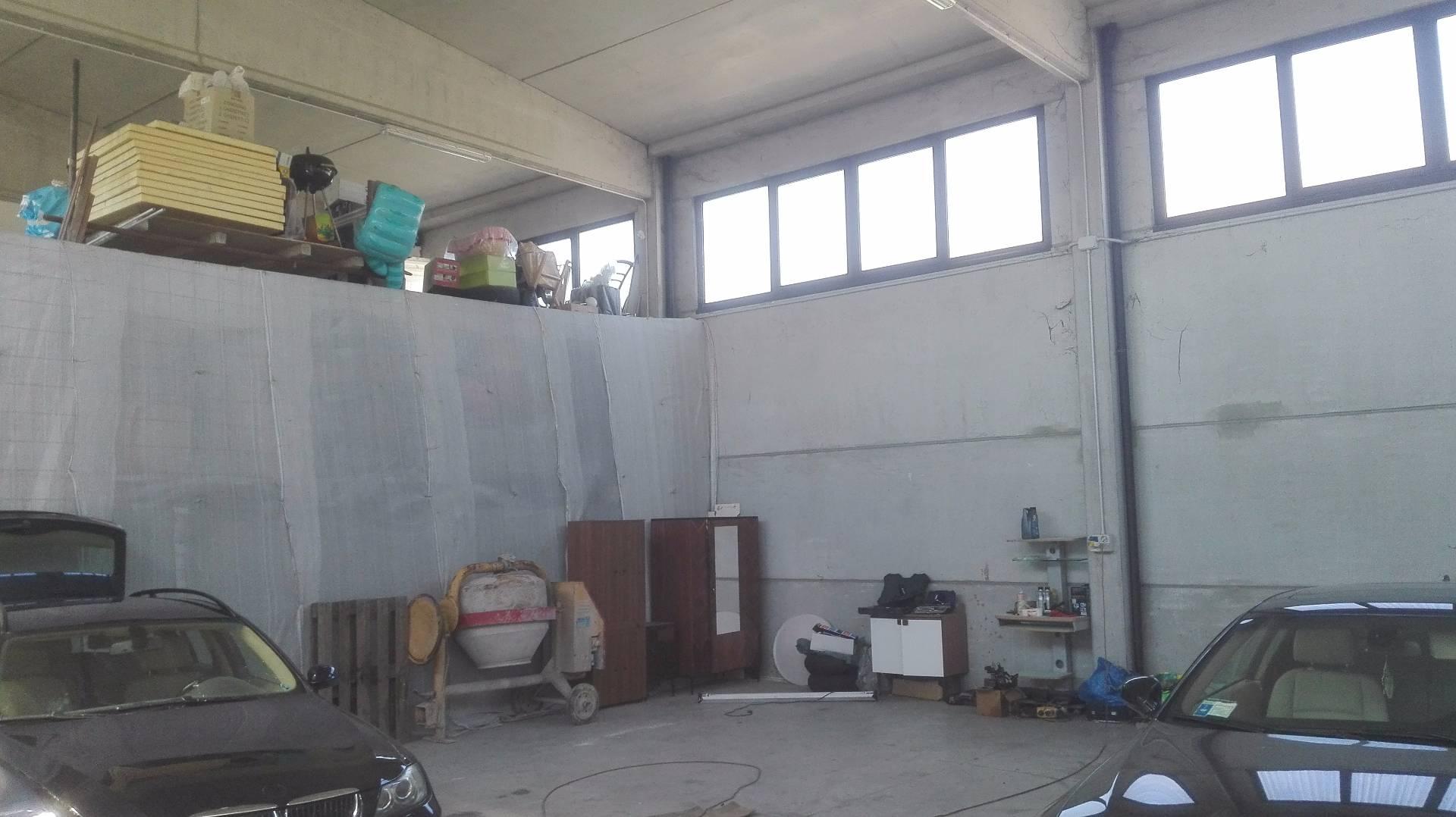 Capannone in affitto a Lugo, 9999 locali, prezzo € 380 | Cambio Casa.it