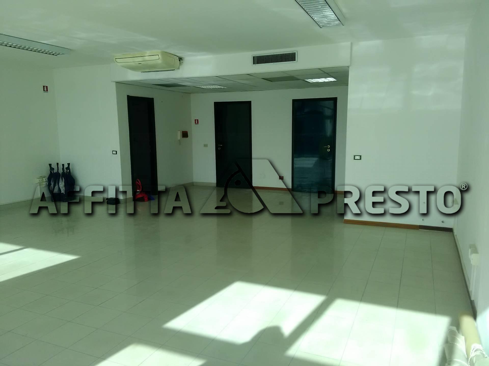 Ufficio / Studio in affitto a Collesalvetti, 1 locali, prezzo € 900   PortaleAgenzieImmobiliari.it