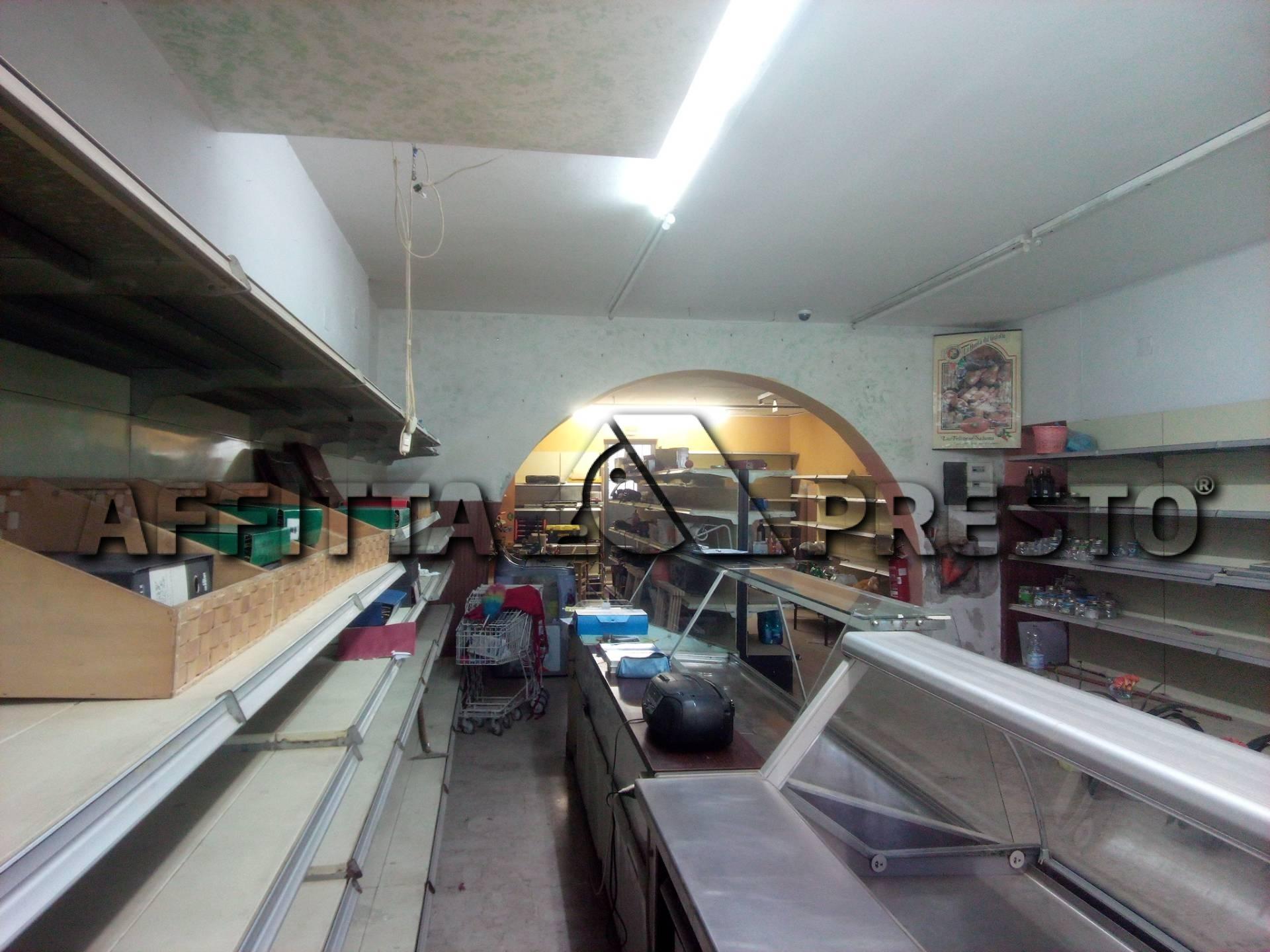 Locale comm.le/Fondo in affitto a Ponsacco (PI)