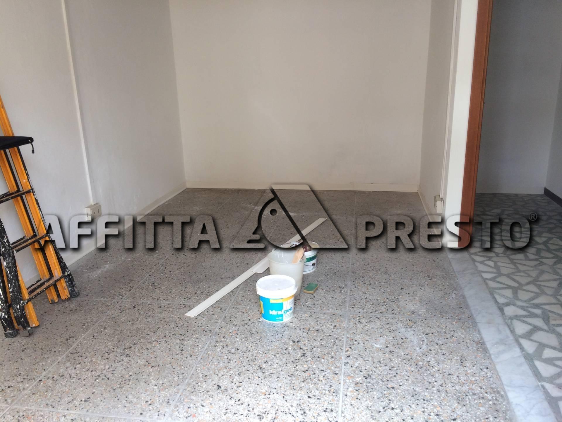 Attività commerciale in affitto a Cascina (PI)