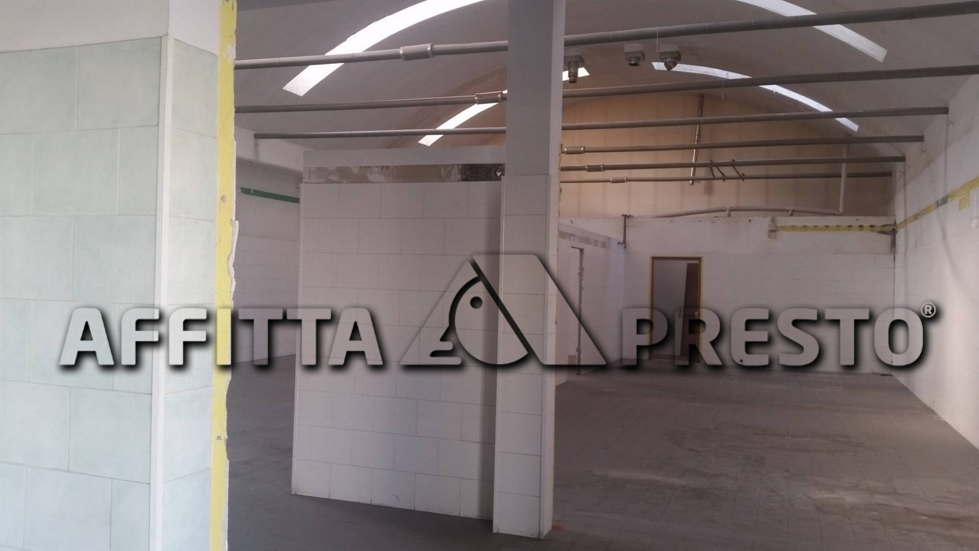Capannone commerciale in affitto a Ponsacco (PI)