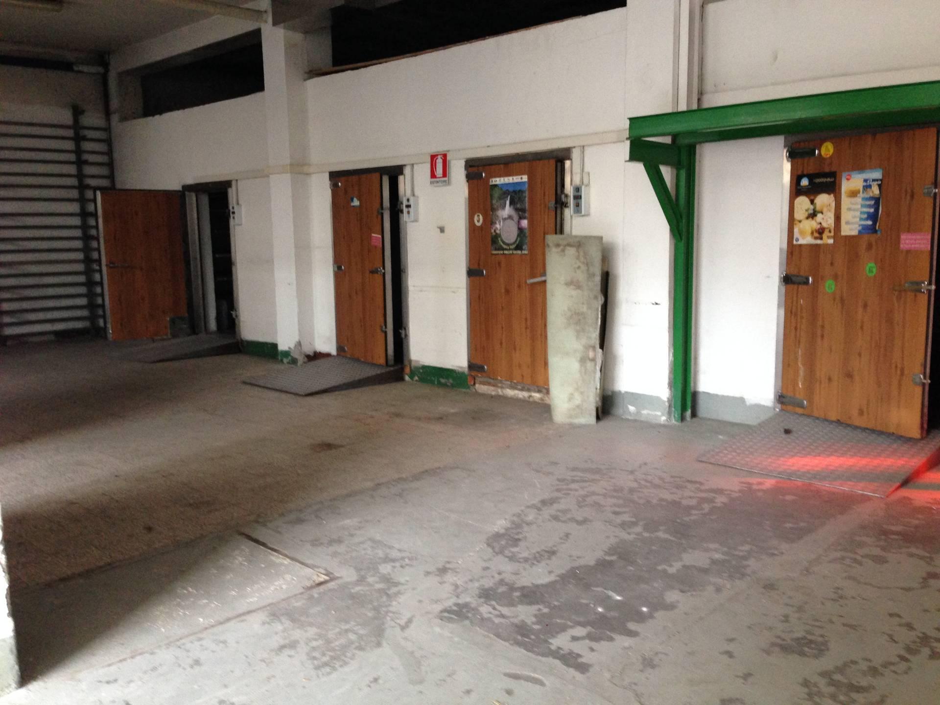 Magazzino in affitto a Gorle, 9999 locali, prezzo € 1.250 | CambioCasa.it