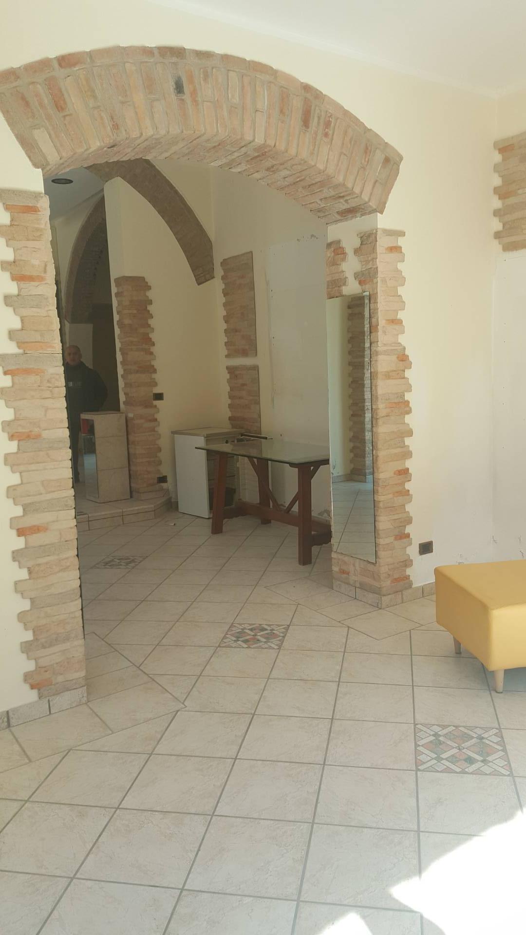 Attività / Licenza in affitto a Castel Bolognese, 9999 locali, zona Località: CastelBolognese, prezzo € 1.500 | CambioCasa.it
