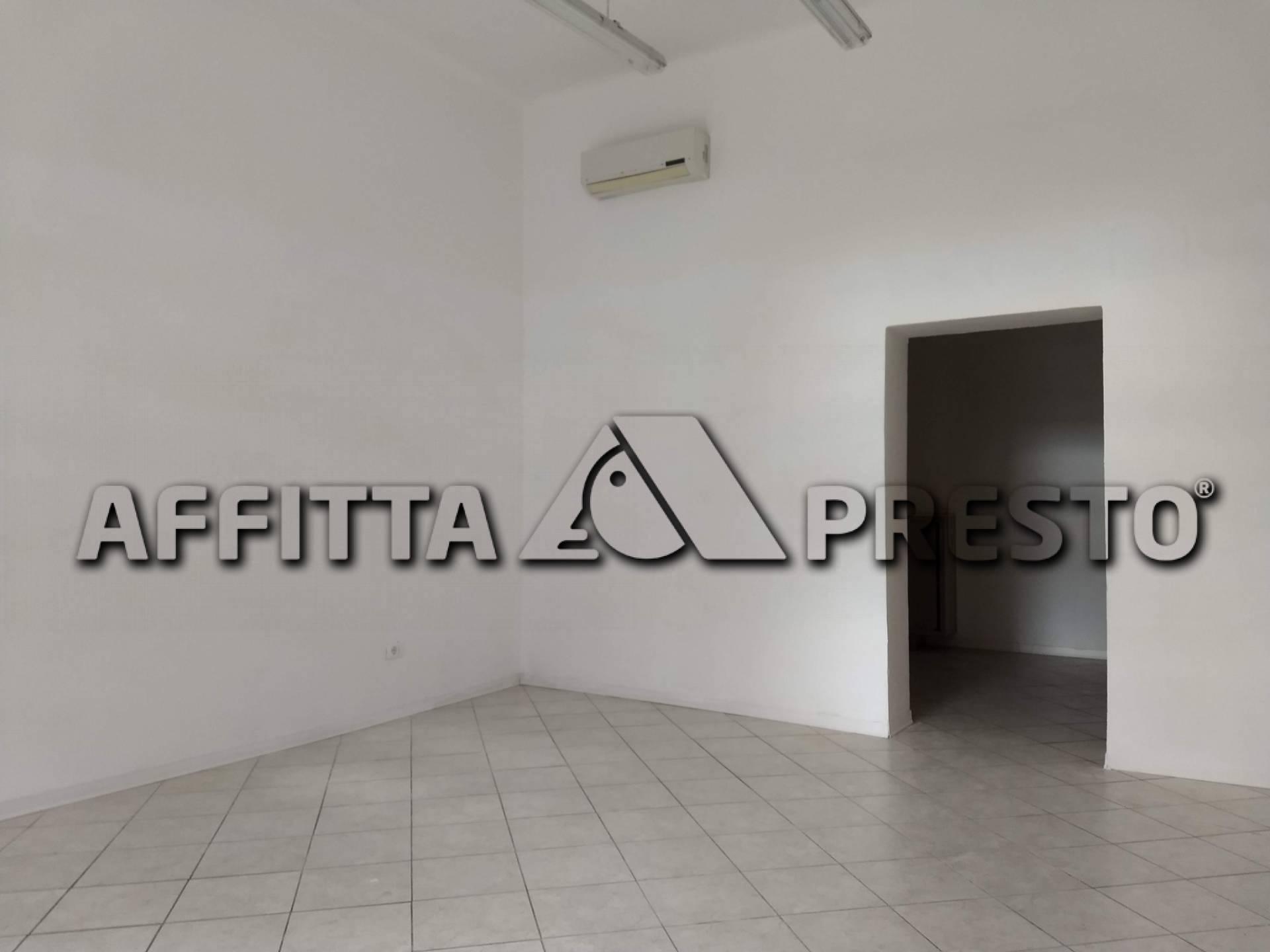 Attività commerciale in affitto a Santa Maria, Pisa