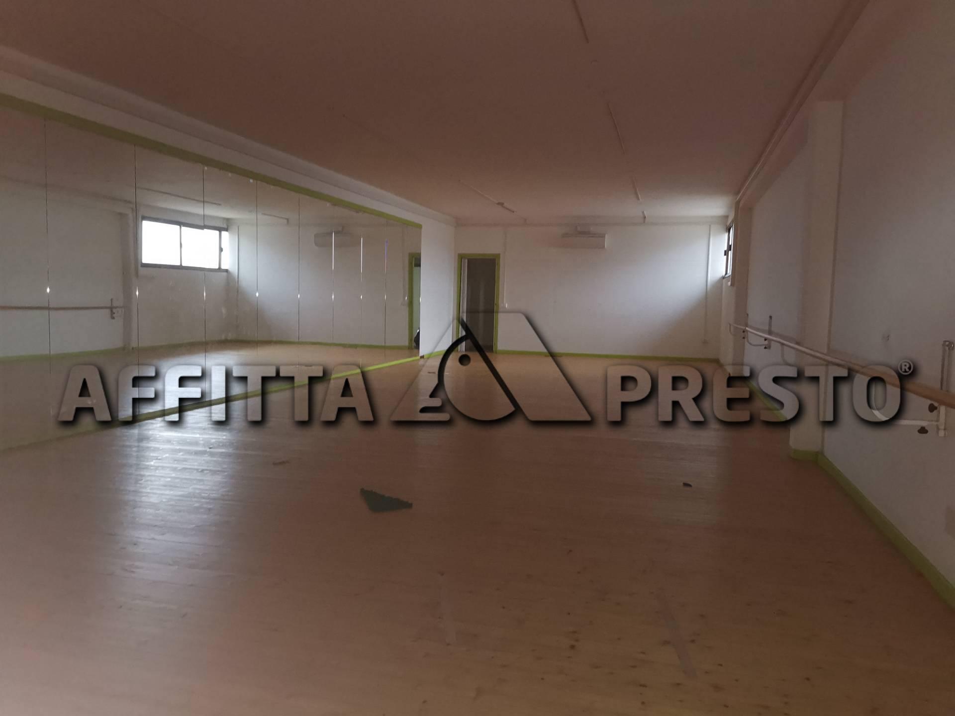 Attività commerciale in affitto a Calcinaia (PI)