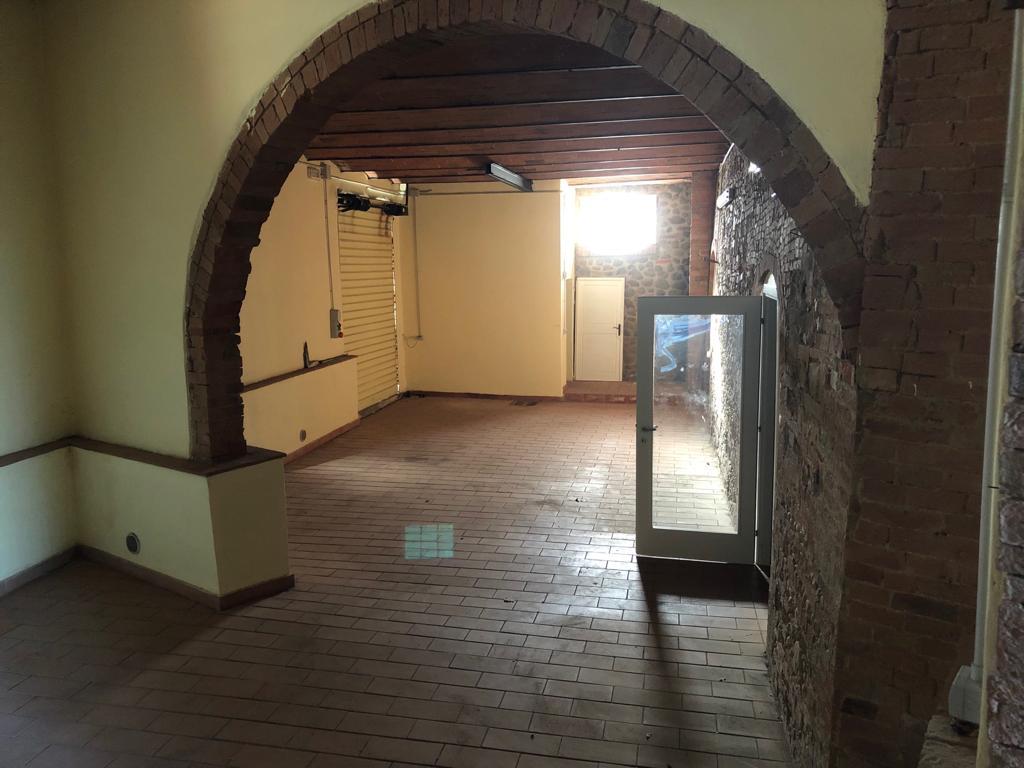 Magazzino in affitto a Montespertoli, 9999 locali, prezzo € 800 | CambioCasa.it