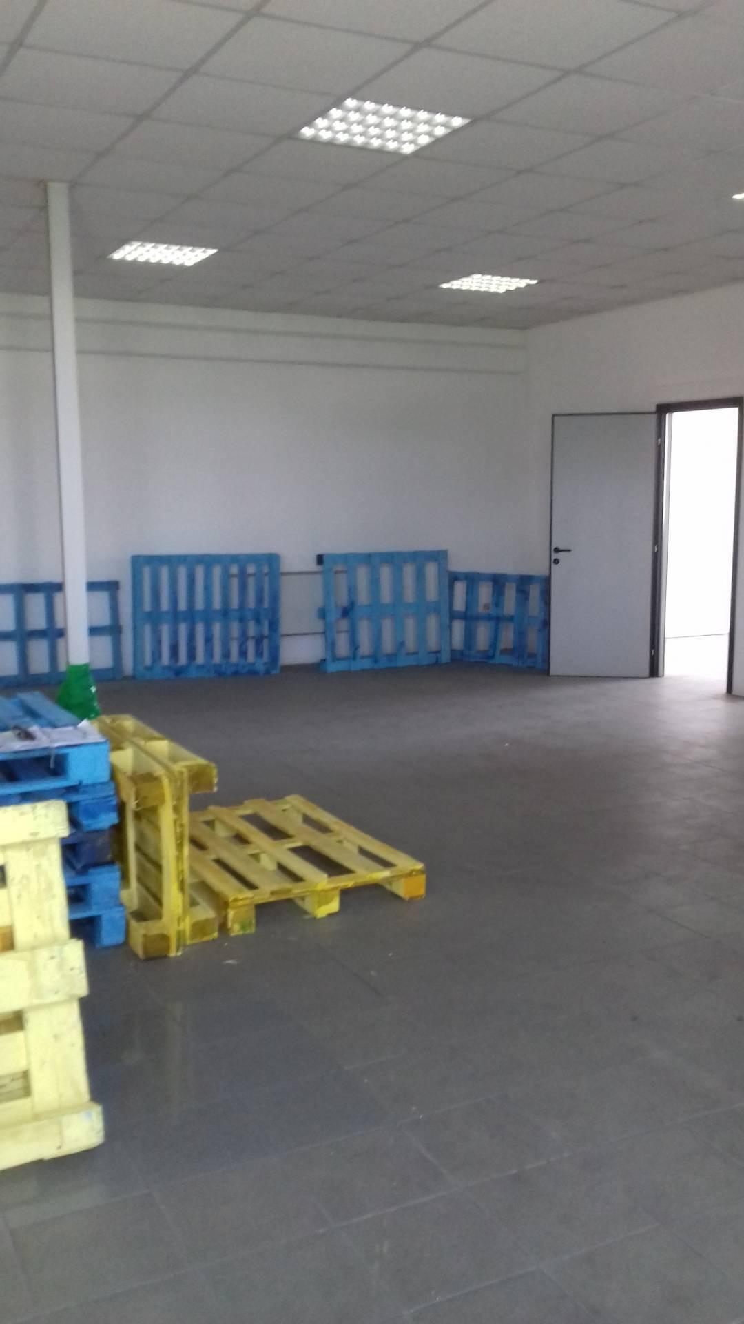 Ufficio / Studio in affitto a Lugo, 9999 locali, zona Località: Semicentrale, prezzo € 1.000   CambioCasa.it