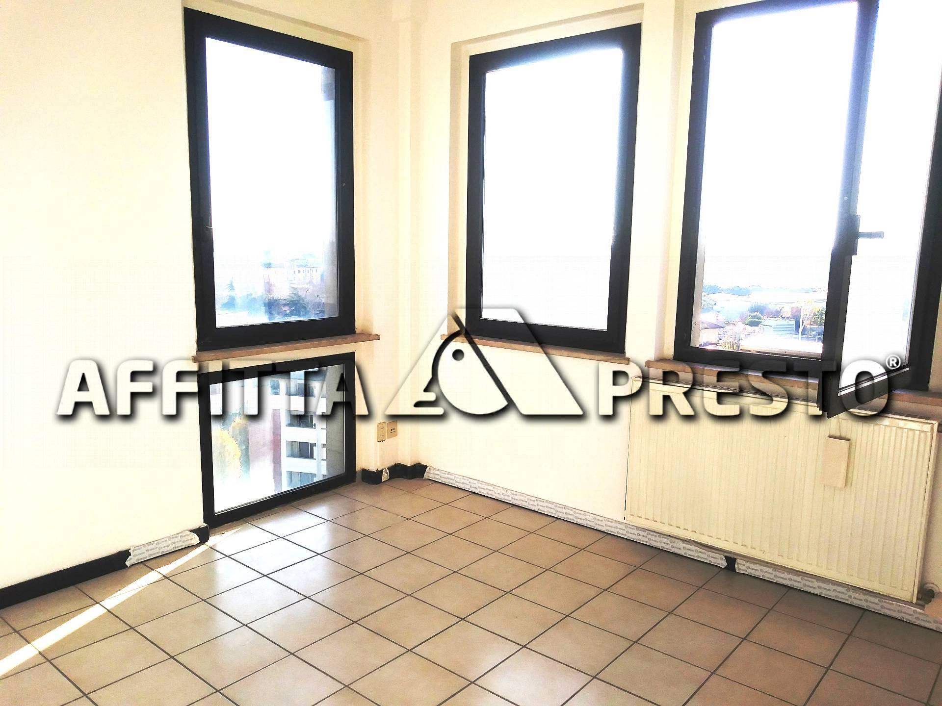 Ufficio / Studio in affitto a Ravenna, 9999 locali, zona Zona: Darsena, prezzo € 850 | CambioCasa.it