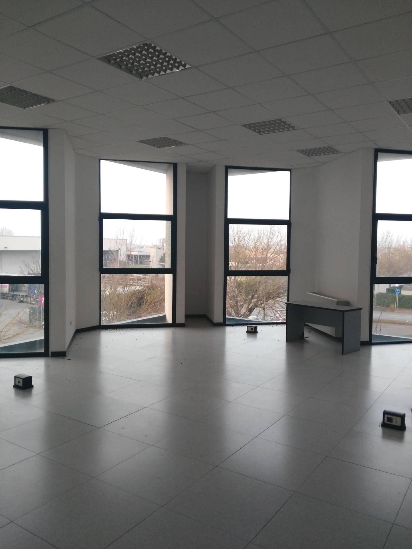 Ufficio / Studio in affitto a Faenza, 9999 locali, zona Località: SanRocco, prezzo € 2.500   CambioCasa.it