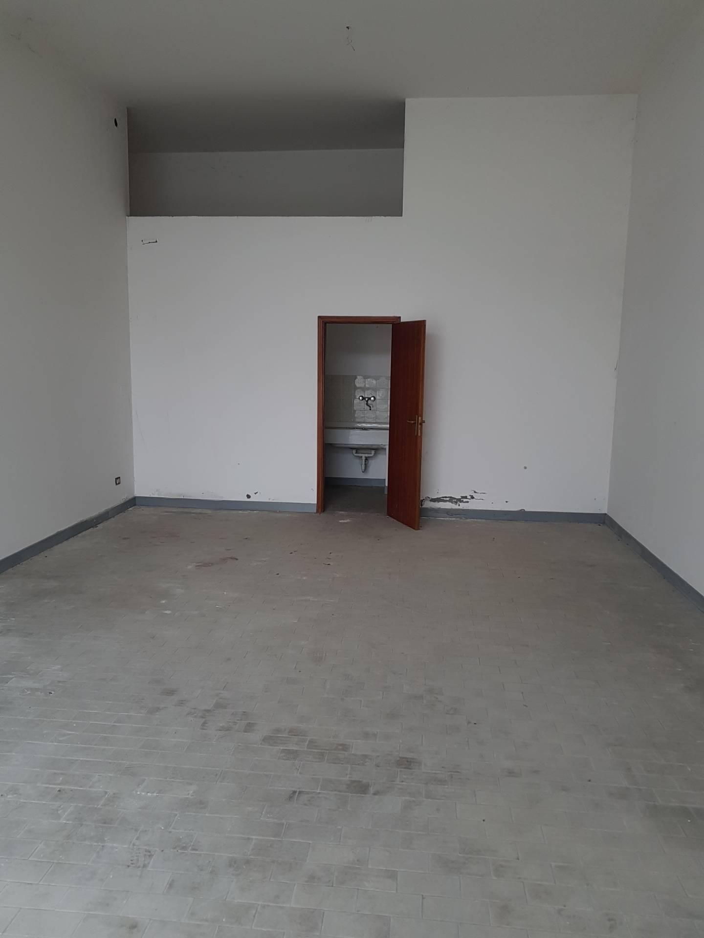 Magazzino in vendita a Lugo, 9999 locali, prezzo € 45.000 | CambioCasa.it