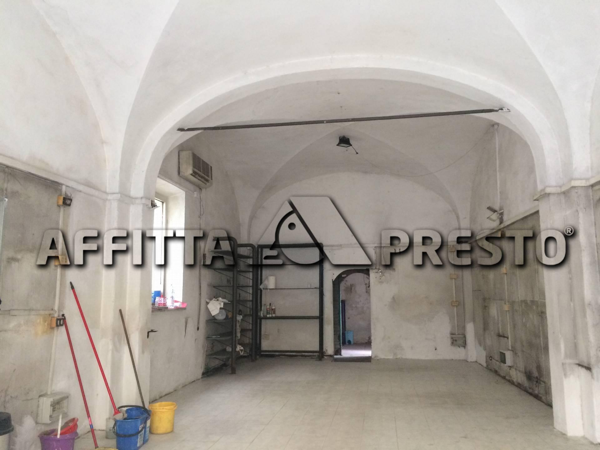 Attività commerciale in affitto a Pisa