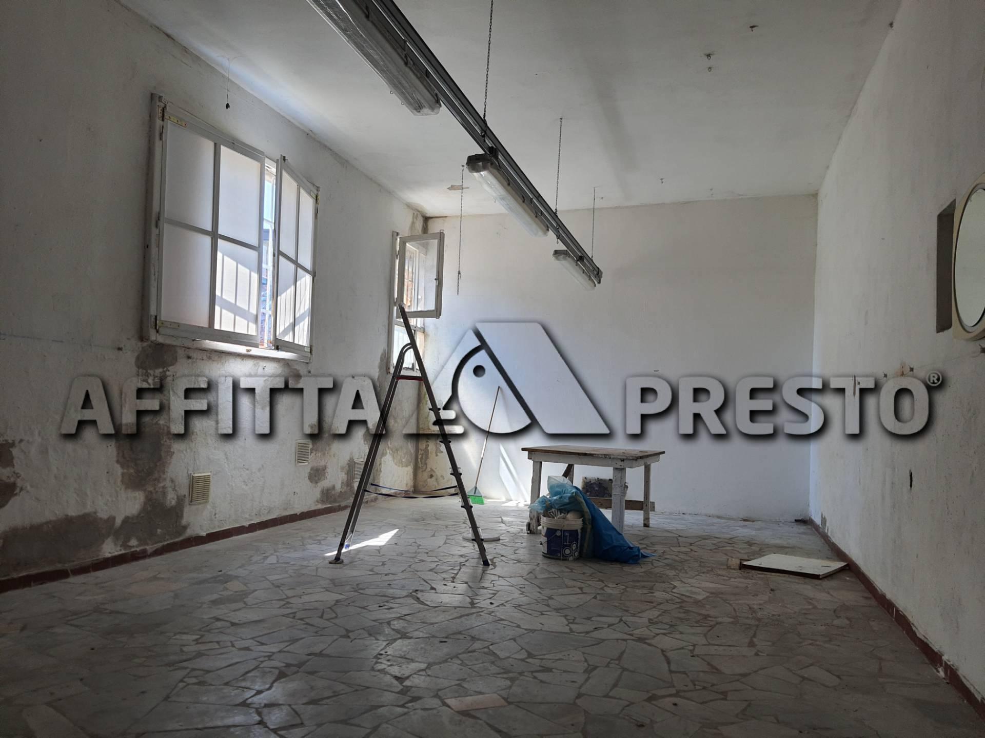 Attività / Licenza in affitto a Castelfranco di Sotto, 9999 locali, prezzo € 500 | CambioCasa.it
