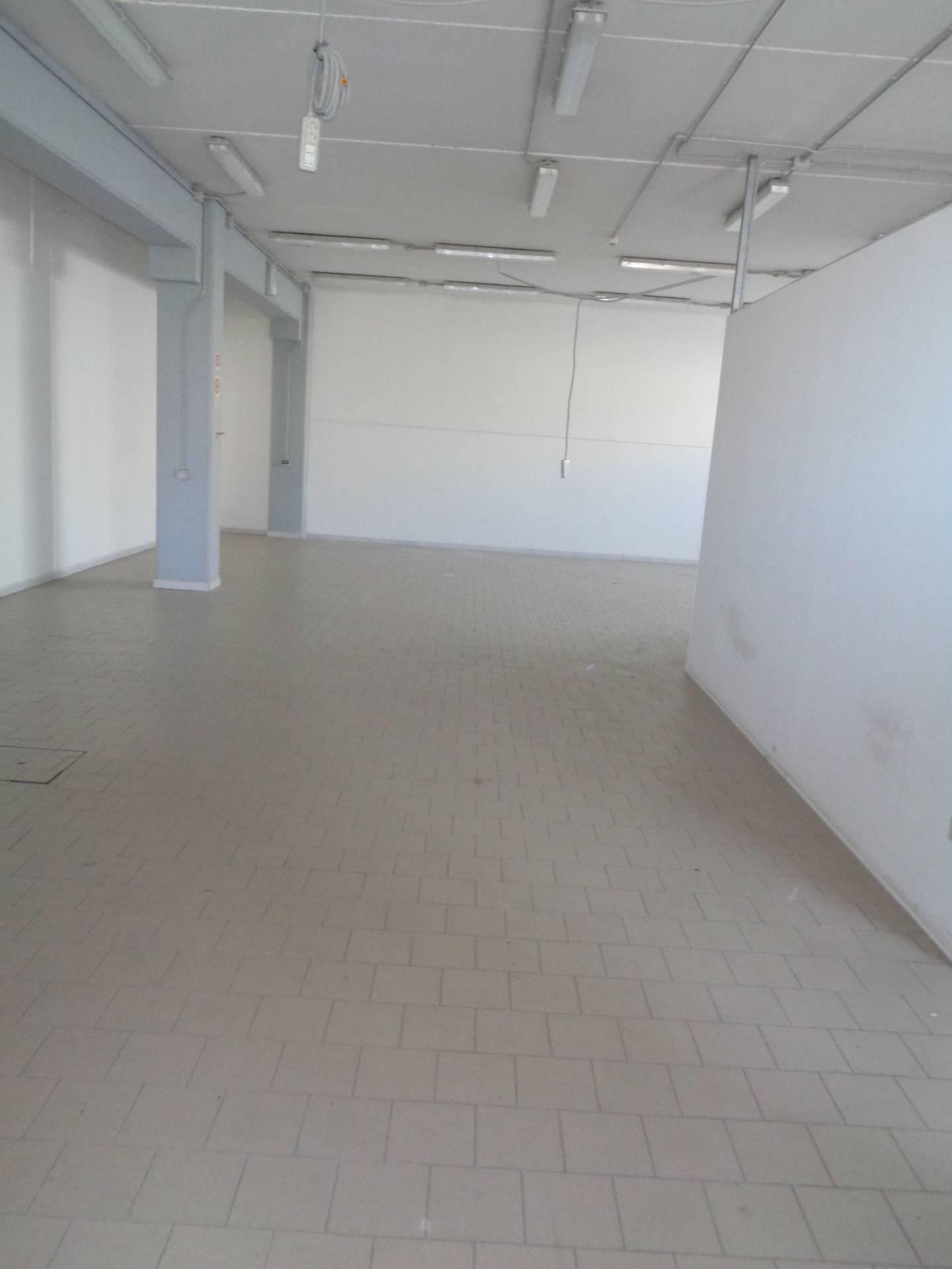 Capannone in affitto a Cervia - Milano Marittima, 9999 locali, zona Zona: Montaletto, prezzo € 2.000 | CambioCasa.it