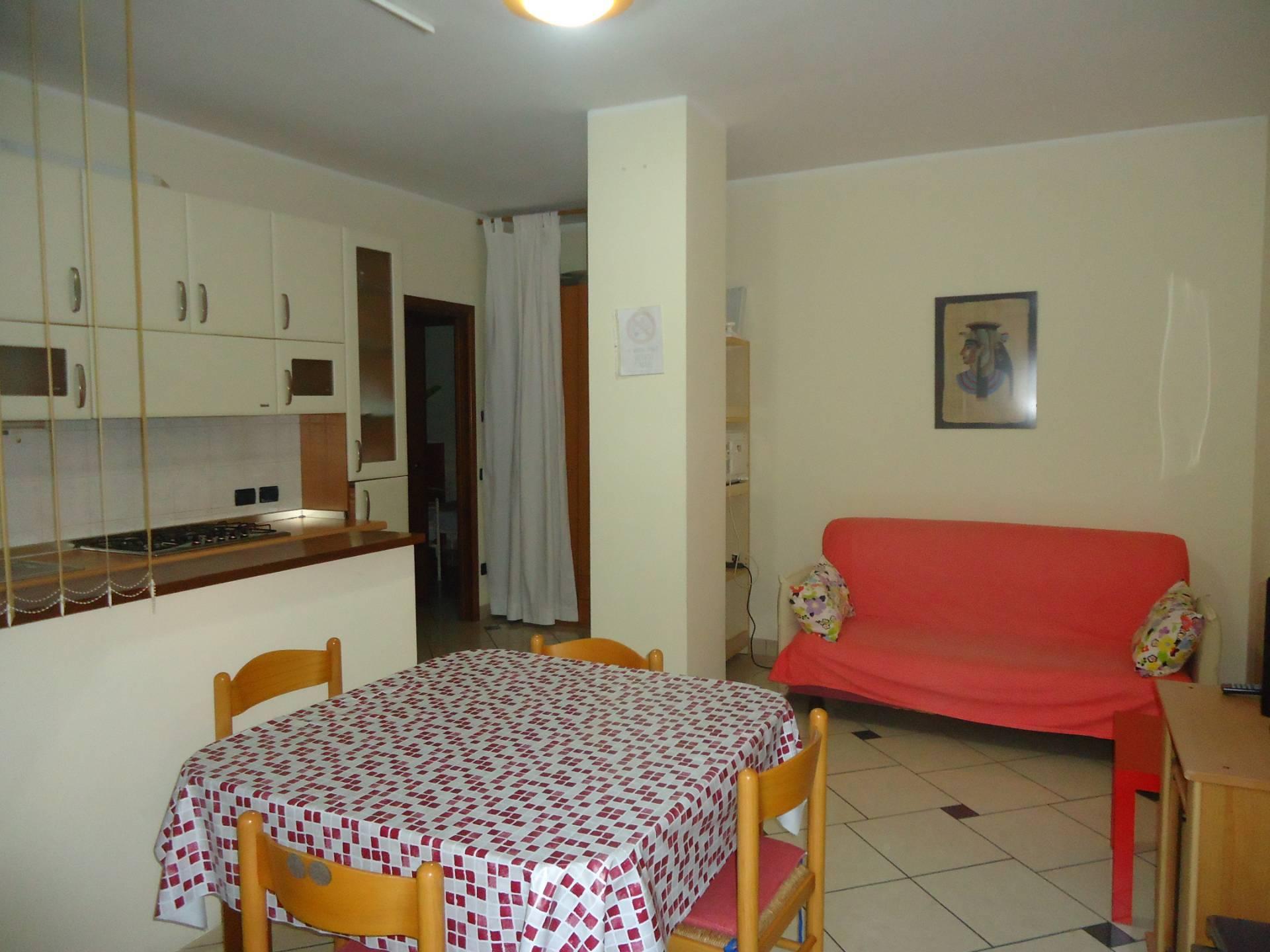 Appartamento in affitto a Bellaria Igea Marina, 4 locali, zona Zona: Bellaria, prezzo € 700 | CambioCasa.it