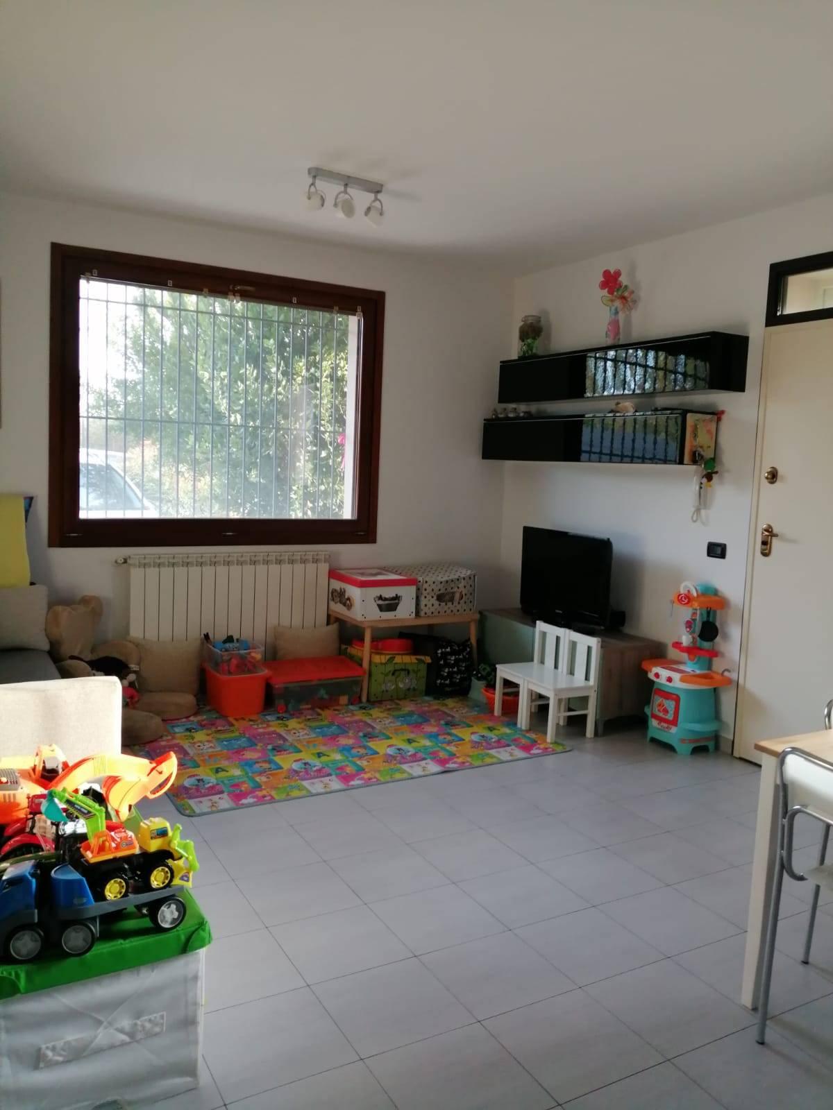 Villa in vendita a Fusignano, 5 locali, zona Zona: S.Savino, prezzo € 165.000 | CambioCasa.it