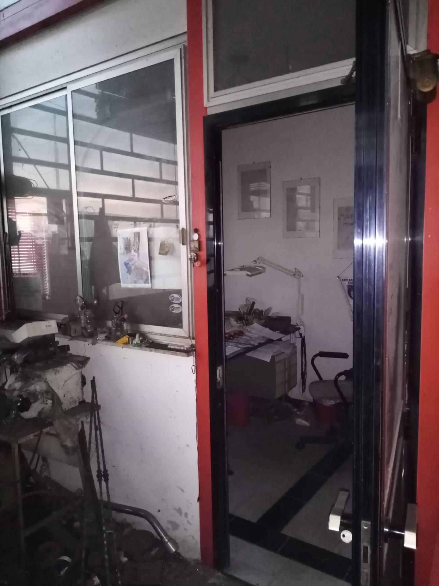 Capannone in affitto a Lugo, 9999 locali, zona Località: Semicentrale, prezzo € 2.500   CambioCasa.it
