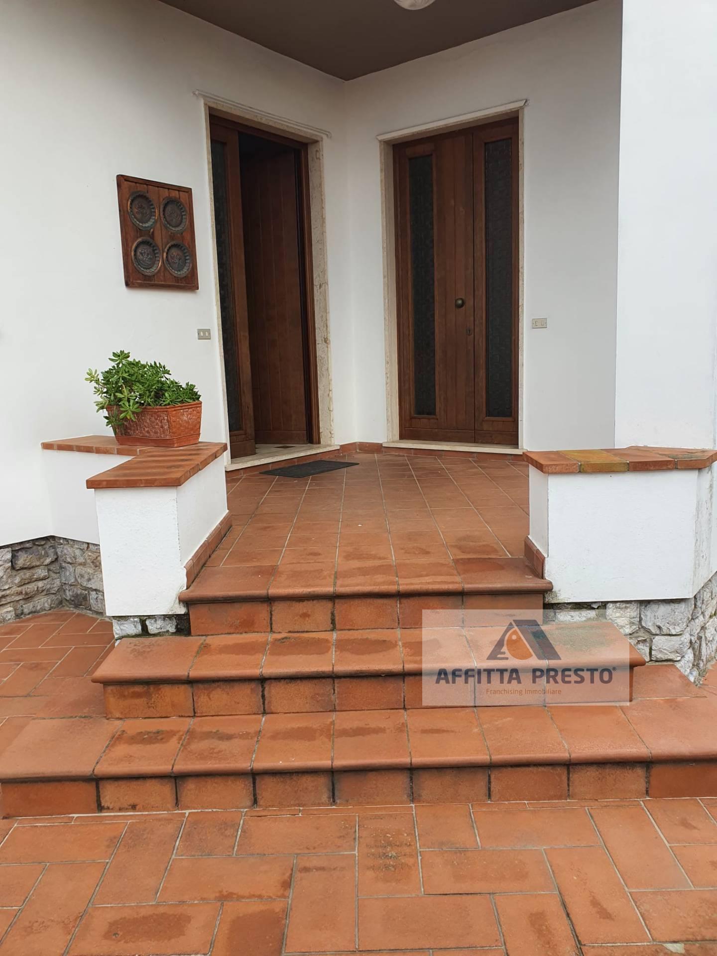 APPARTAMENTO in Affitto a Capezzano Pianore, Camaiore (LUCCA)