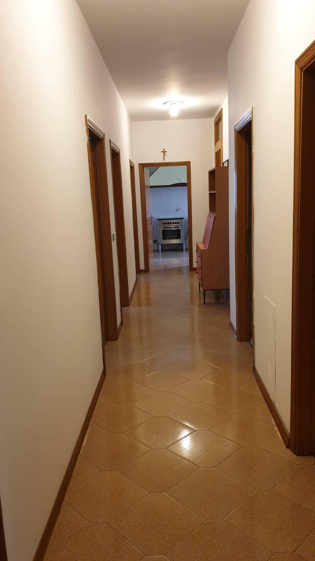 Appartamento in affitto a Bellaria Igea Marina, 9 locali, zona Zona: Bellaria, prezzo € 7.000 | CambioCasa.it