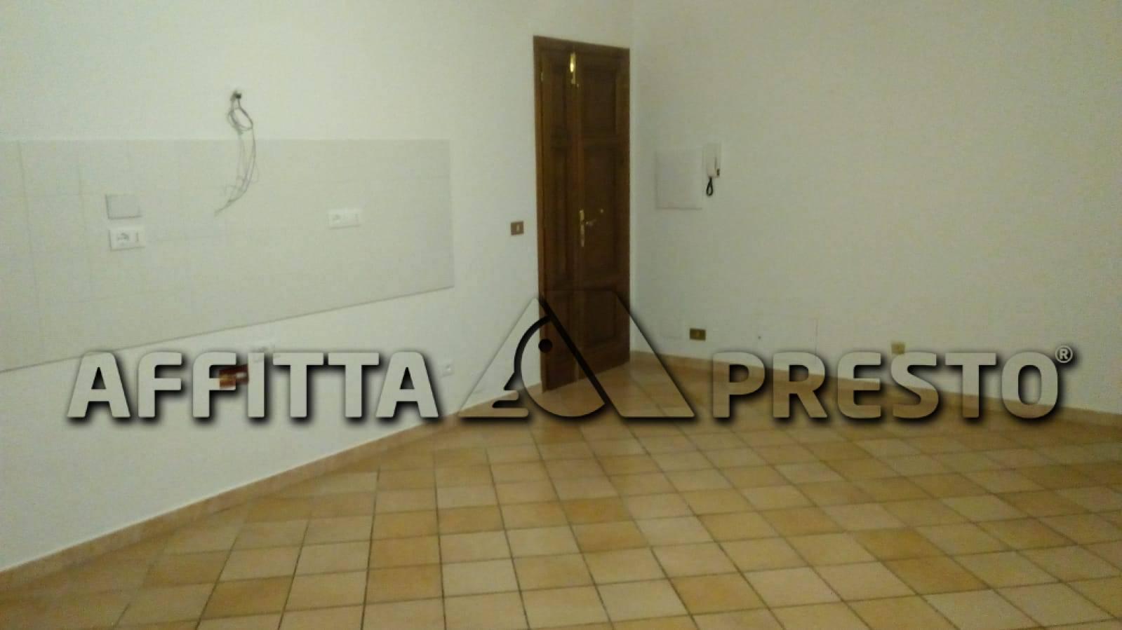 Appartamento in affitto a Collesalvetti, 3 locali, zona Località: Collesalvetti, prezzo € 550 | CambioCasa.it