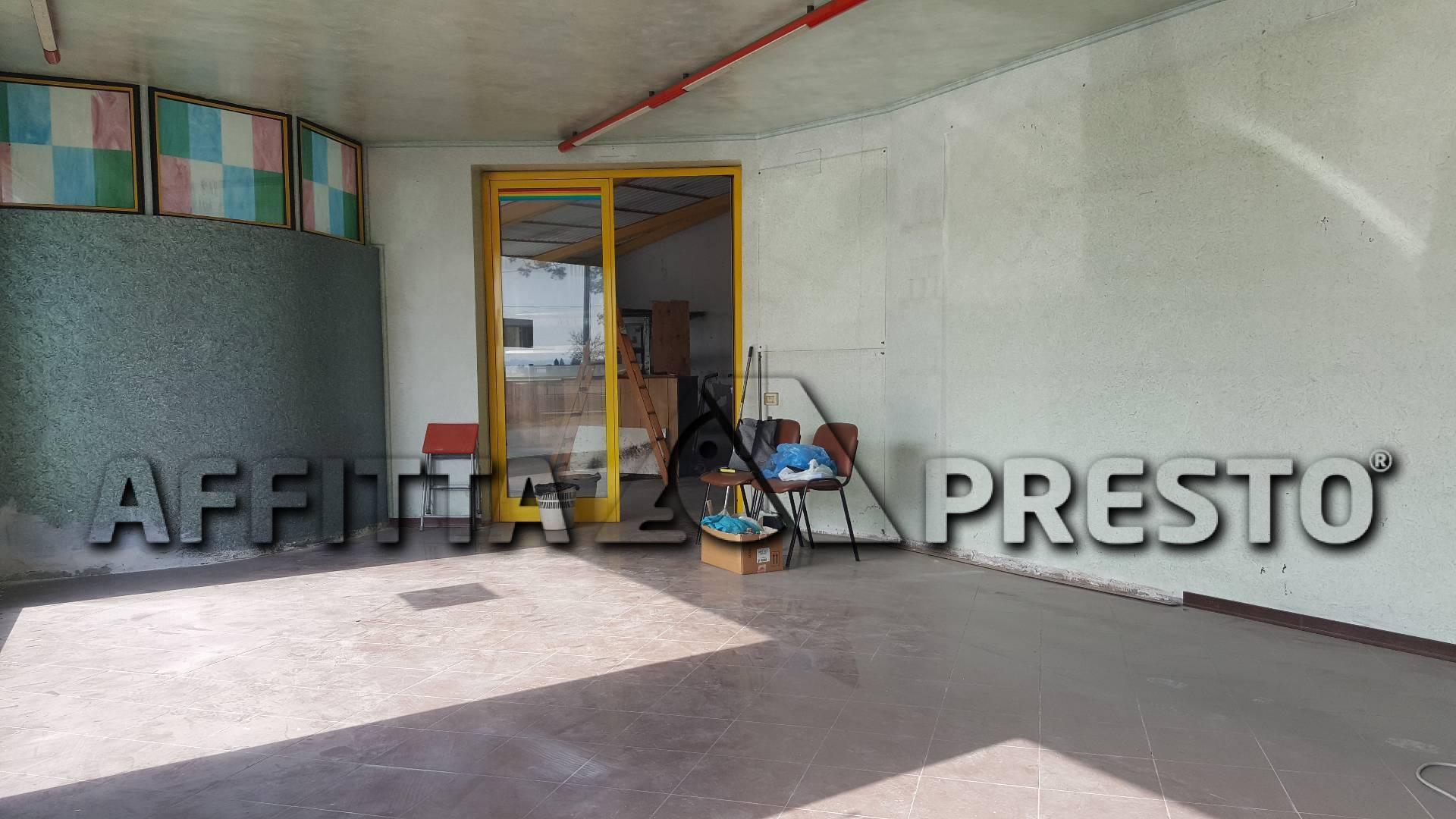 Attività commerciale in affitto a Santa Maria a Monte