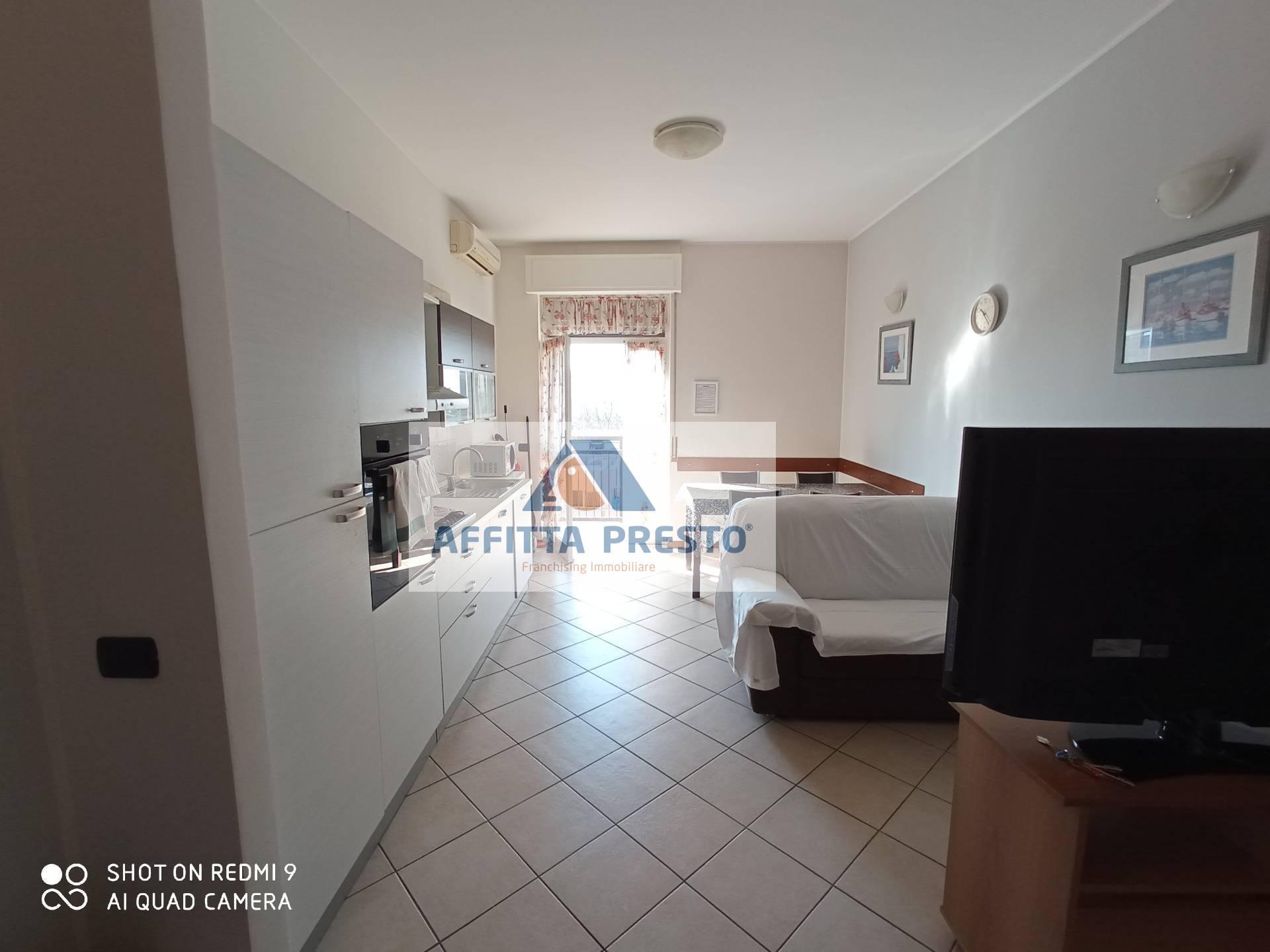 Appartamento in affitto a Monza, 3 locali, prezzo € 1.200 | CambioCasa.it