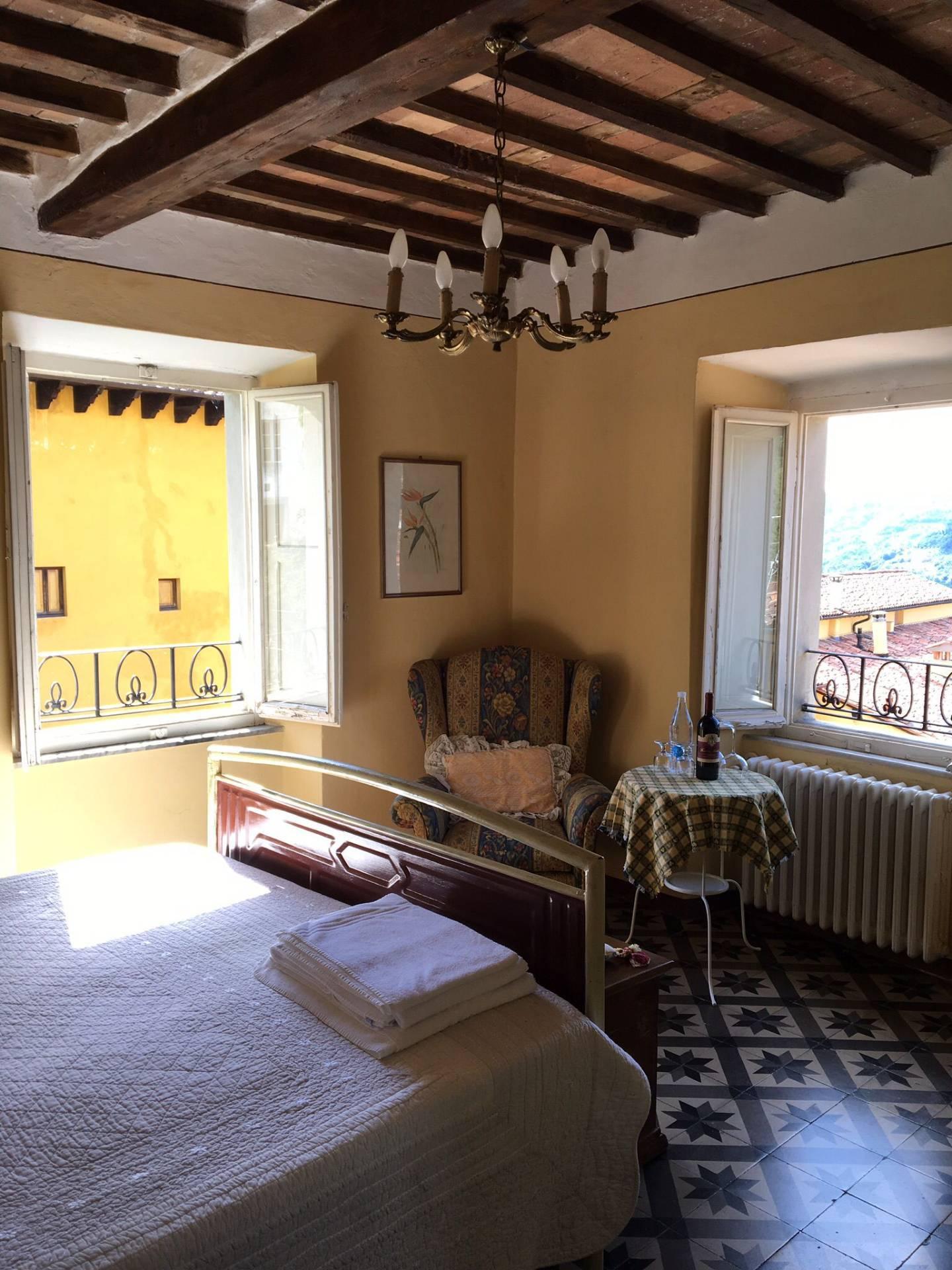 Appartamento in affitto a Barga, 4 locali, prezzo € 500   CambioCasa.it