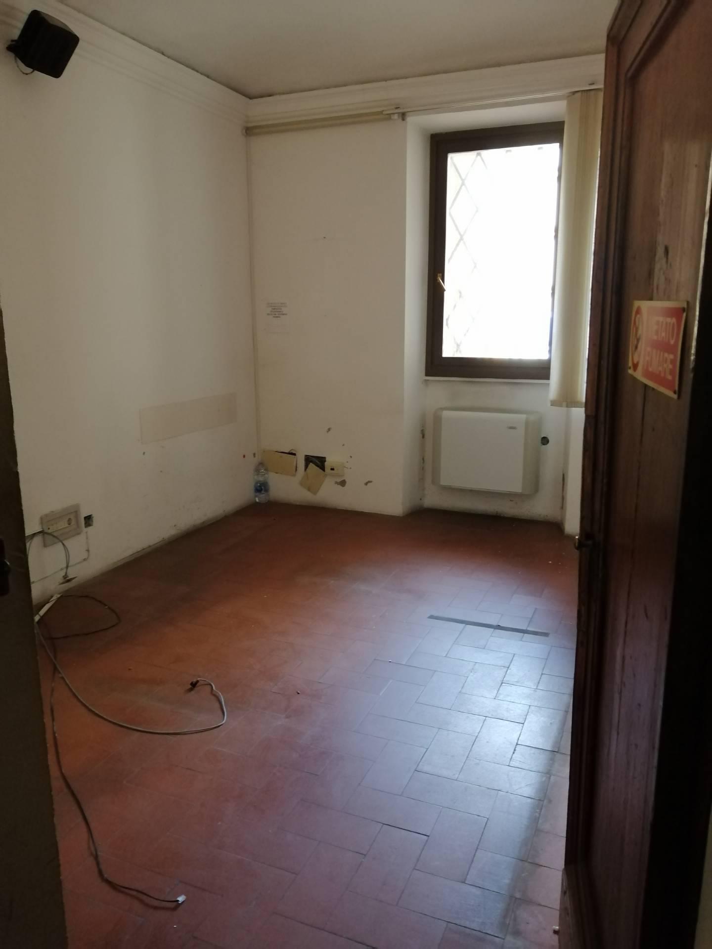 Ufficio / Studio in affitto a Faenza, 9999 locali, prezzo € 2.350   CambioCasa.it