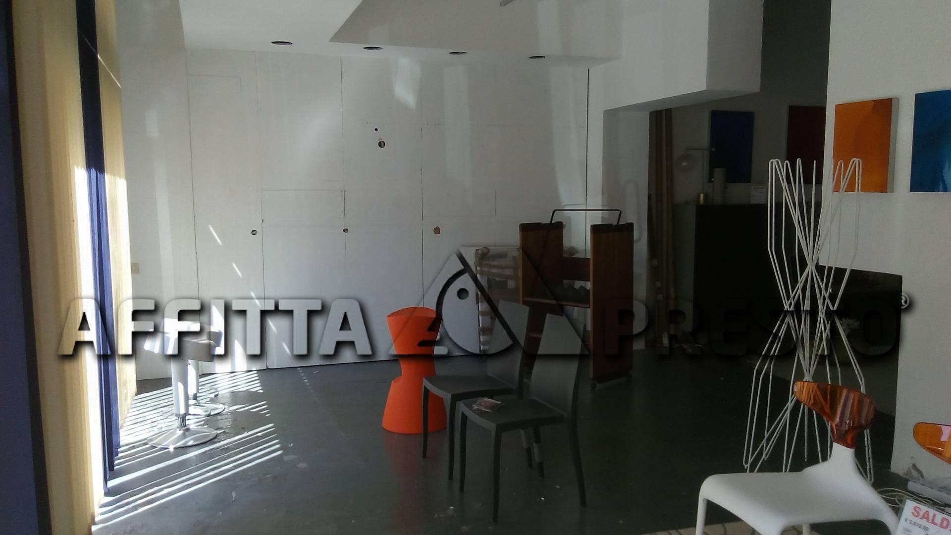 Attività commerciale in affitto - Livorno