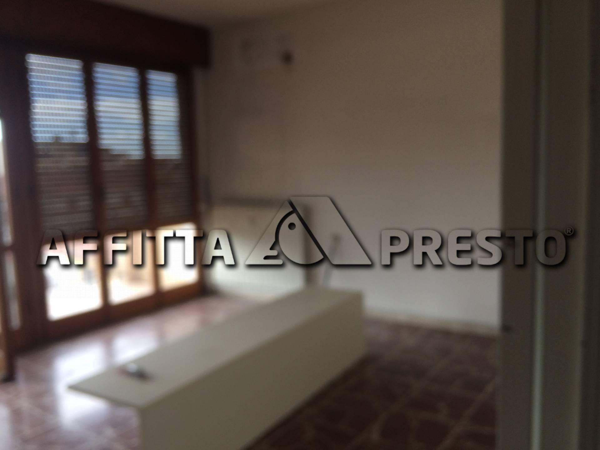 Appartamento in affitto a Pisa, 7 locali, zona Località: S.Antonio, prezzo € 1.100 | CambioCasa.it
