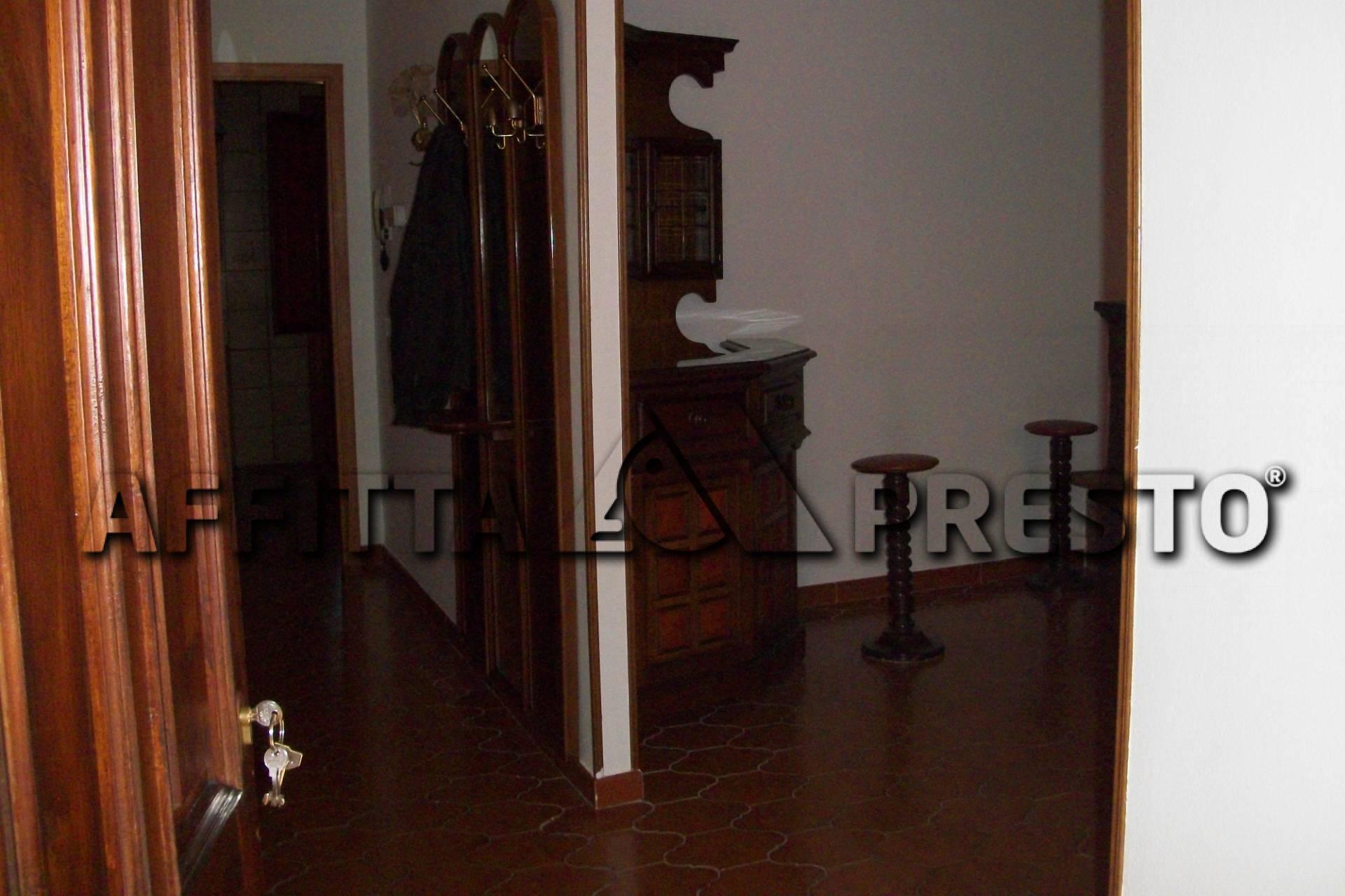 Appartamento in affitto a San Giuliano Terme, 5 locali, zona Località: SanGiulianoTerme, prezzo € 650   CambioCasa.it