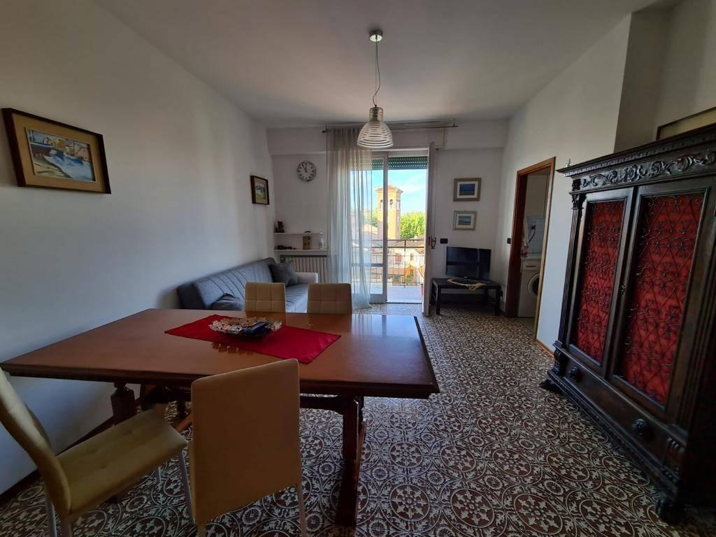 Appartamento in affitto a Bellaria Igea Marina, 5 locali, zona Località: Bellaria-igeaMarina, prezzo € 750 | CambioCasa.it
