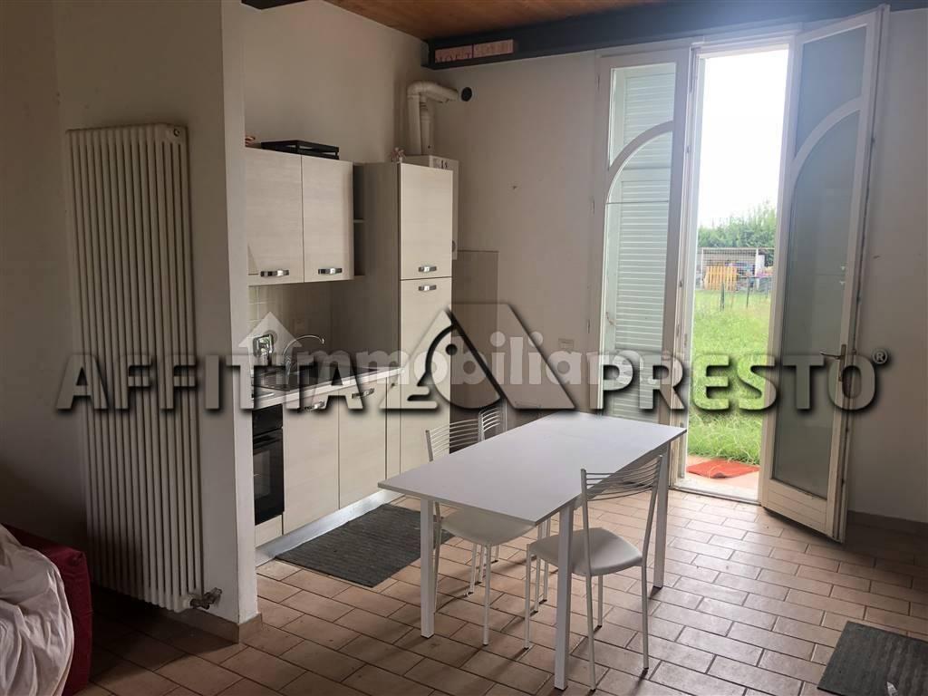 Soluzione Indipendente in affitto a San Giuliano Terme, 5 locali, zona Località: MadonnadellAcqua, prezzo € 800   CambioCasa.it